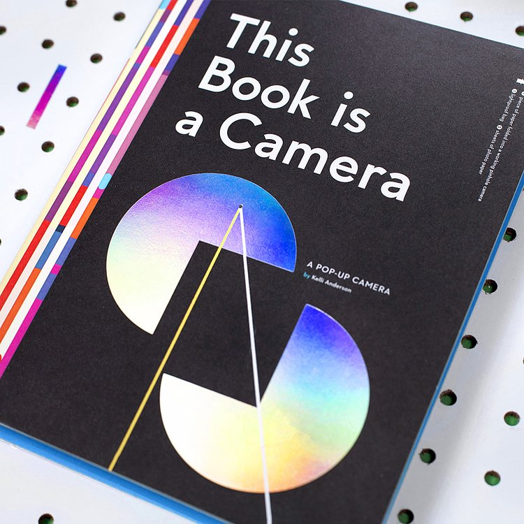 Bild 2 - BUCH/ZEITSCHRIFT This Book is a Camera (pop-up camera by Kelli Anderson)