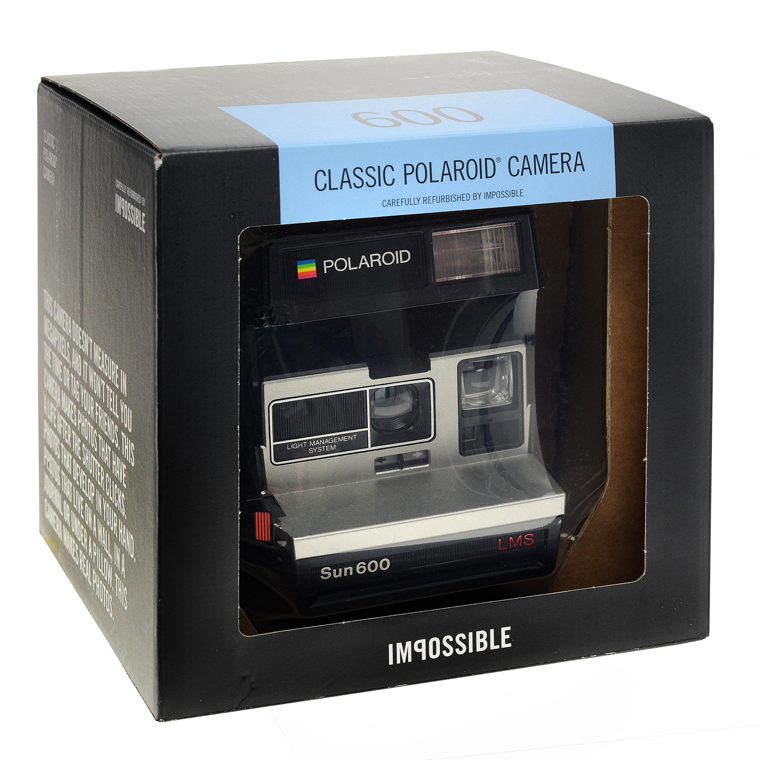 f6d65bbc13e2 POLAROID 600 Camera 80s Style