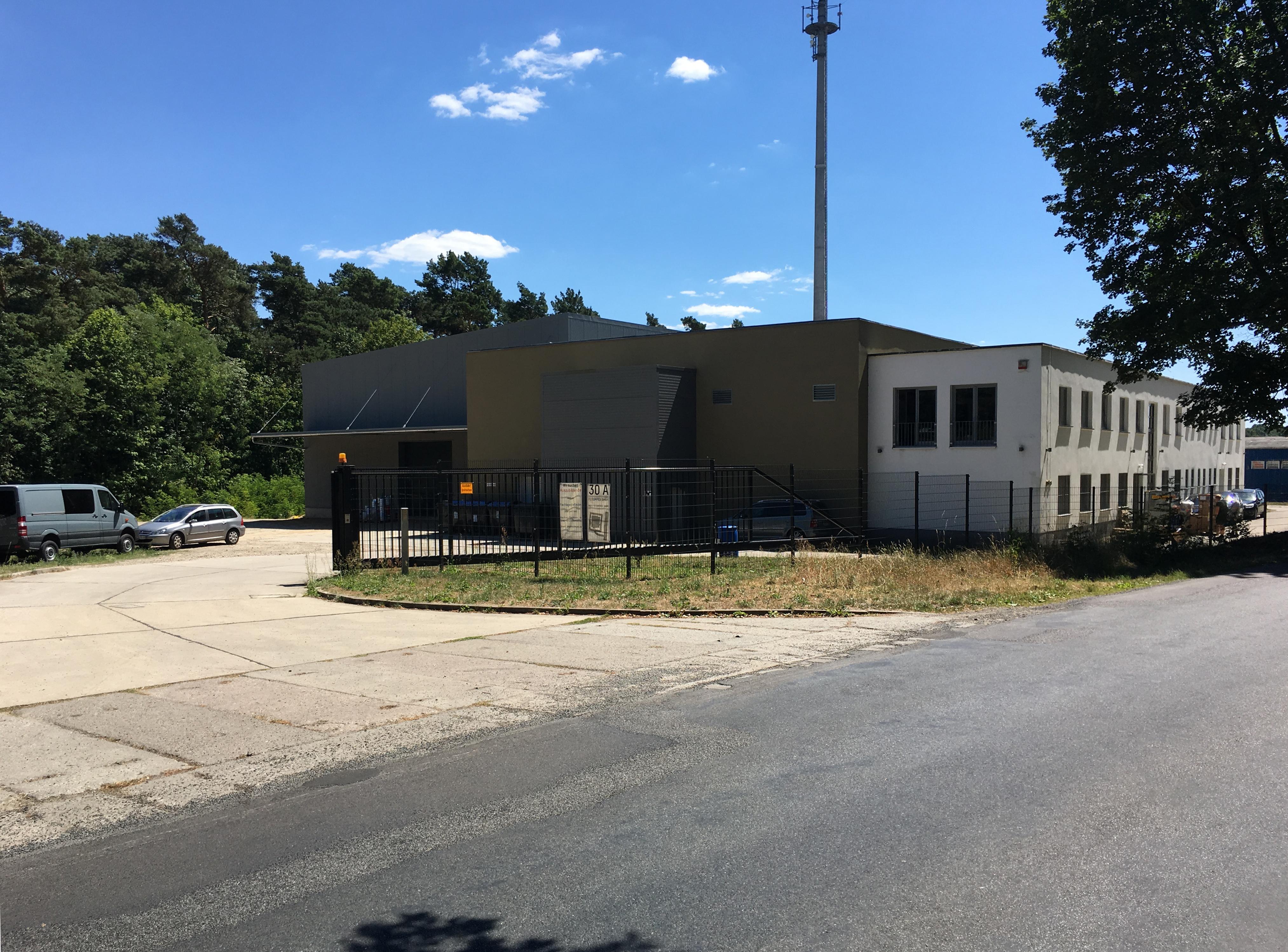 Bürogebäude, Lagerhalle, Produktion
